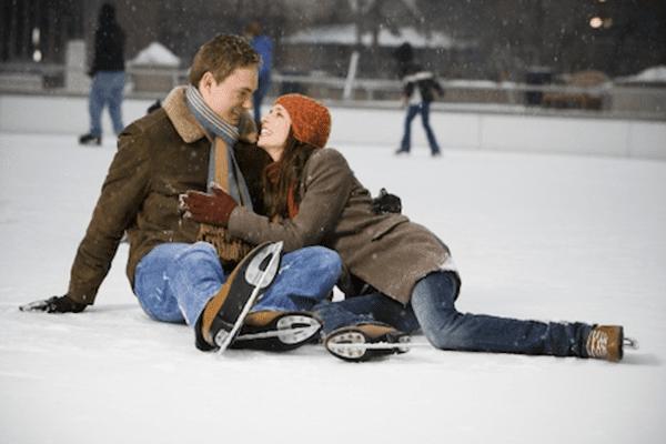 ice-skating-couple