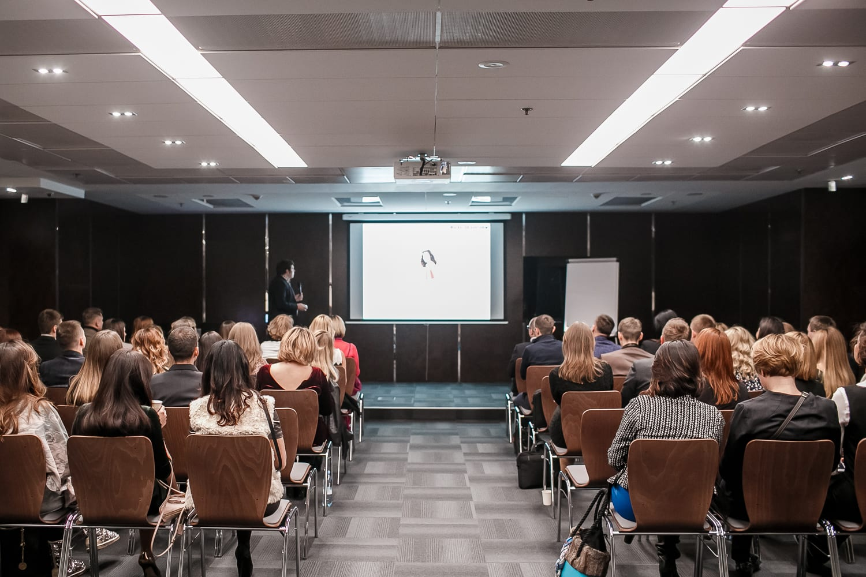 Собрание подразделения профессиональной косметики для волос компании L'Oréal Украина