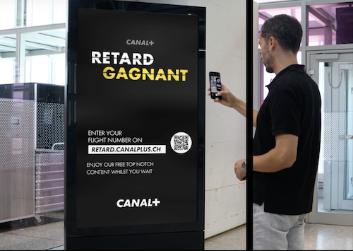 Canal+ превратил задержки рейсов на праздники в развлечение